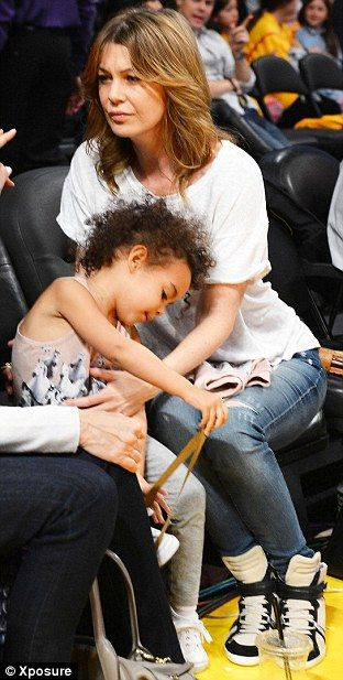 Ellen Pompeo And Chris Ivery With Daughter Stella At A Lakers Game 3