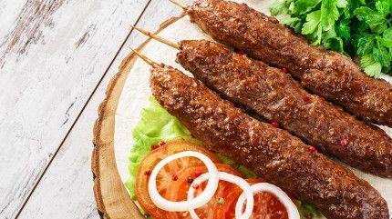 طريقة عمل الكباب المشوى وصفة كباب مشوي عالفحم أطيب طبخة Middle East Food Cooking Arabic Food