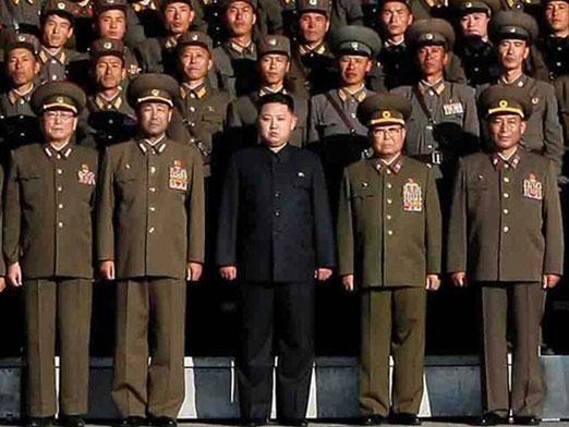 Kim Jong Un   Gangnam style, Korean people, Poses for photos