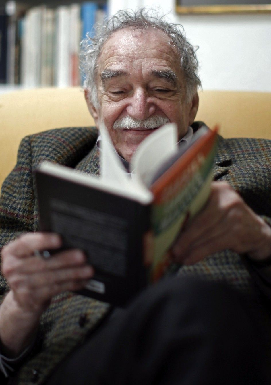 a biography of gabriel garcia marquez a novelist writer journalist critic and screenwriter Short-story writer, and journalist nationality: 2014) was a colombian novelist, short-story writer, screenwriter gabriel garcia marquez.