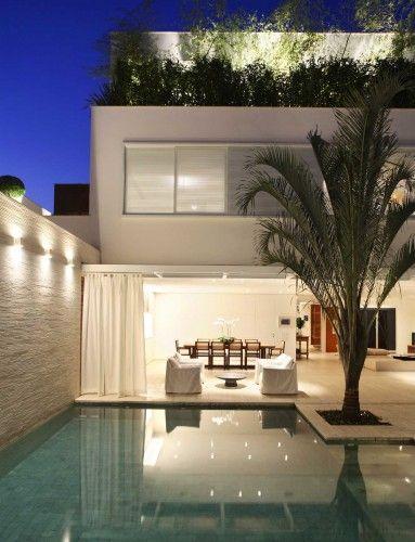 outdoor backyard swiming-pool stylish modern house. Flat Roof Design ...