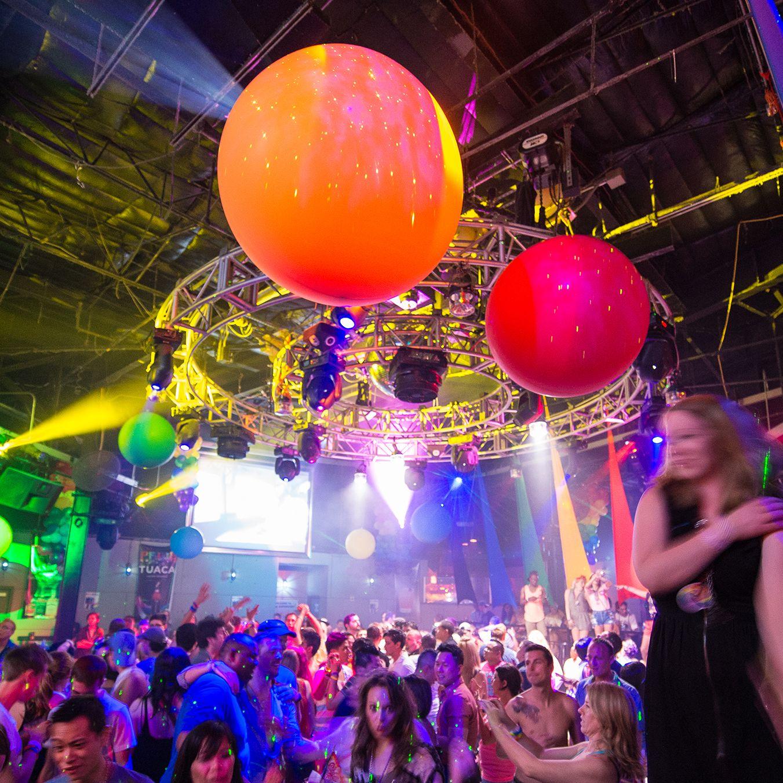 Nightlife HOUSUPERBOWL 51
