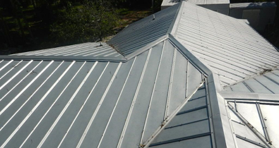 What Is The Cost Difference Between Asphalt Shingle And Metal Roofing Kirpich Krysha Gorod