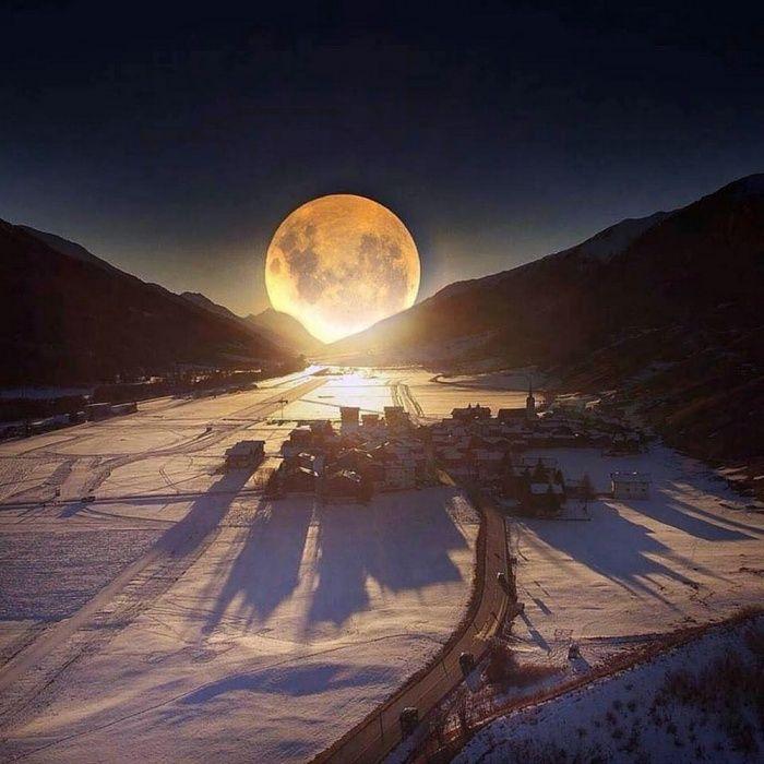 фотография тающей луны вас есть фото