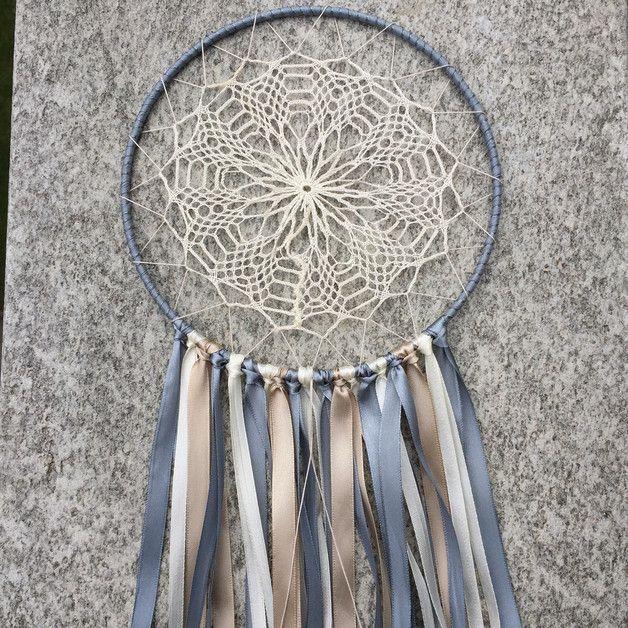 Wunderschöner Traumfänger Im Boho Stil Mit Vintage Netz In Verschiedenen  Taupe Tönen Creme