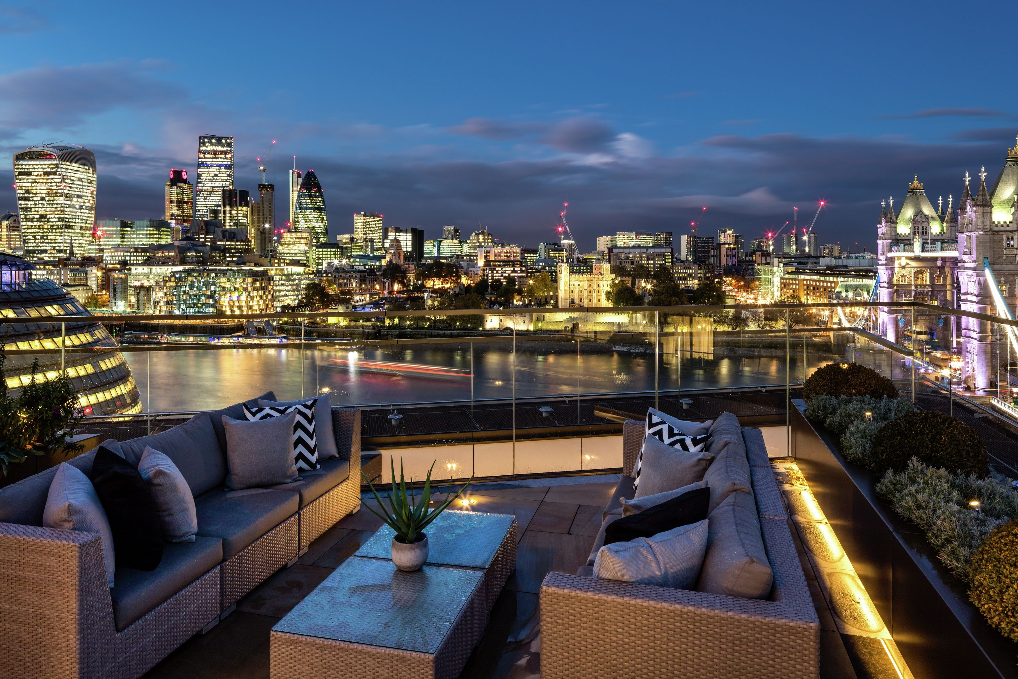 Dreams Views Are Made A Reality At One Tower Bridge Take In These Amazing London Skyline Views City View Apartment Luxury Homes Dream Houses Luxury Penthouse