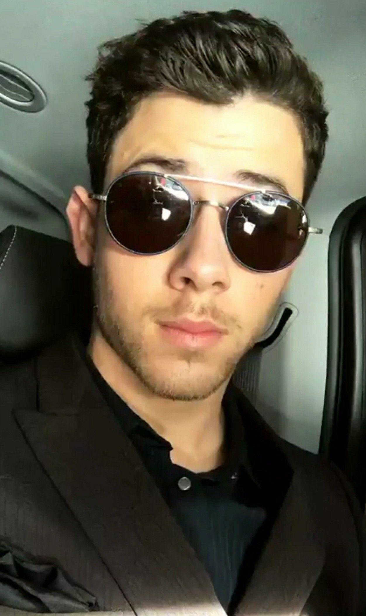 Nick Jonas Starbucks Hottie - Nick Jonas Photo (31511873