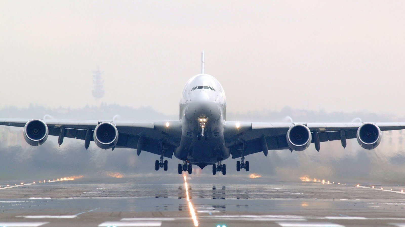 Air France A380 Taking Off With Images Airbus A380 Us Navy
