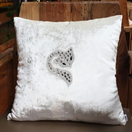 1135 New Velvet Moden Diamond Fox Luxury Cushion Pillow Without Filling Sofa Bed Room Wedding Ornament Dec Whol Luxury Cushions Wedding Ornament Home Textile