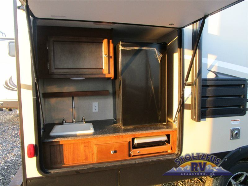 New 2016 Coachmen Rv Freedom Express 231rbds Travel Trailer Travel Trailer Outdoor Camping Kitchen Coachmen Rv