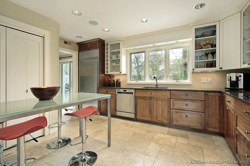 Traditional two tone kitchen cabinets 172 kitchen design for Two tone kitchen designs