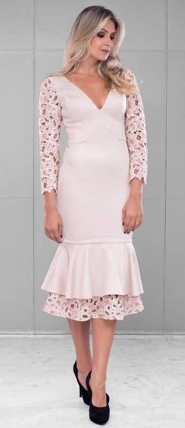 d402a2172 Ideia de vestido midi para usar num batizado ou missa de formatura ...