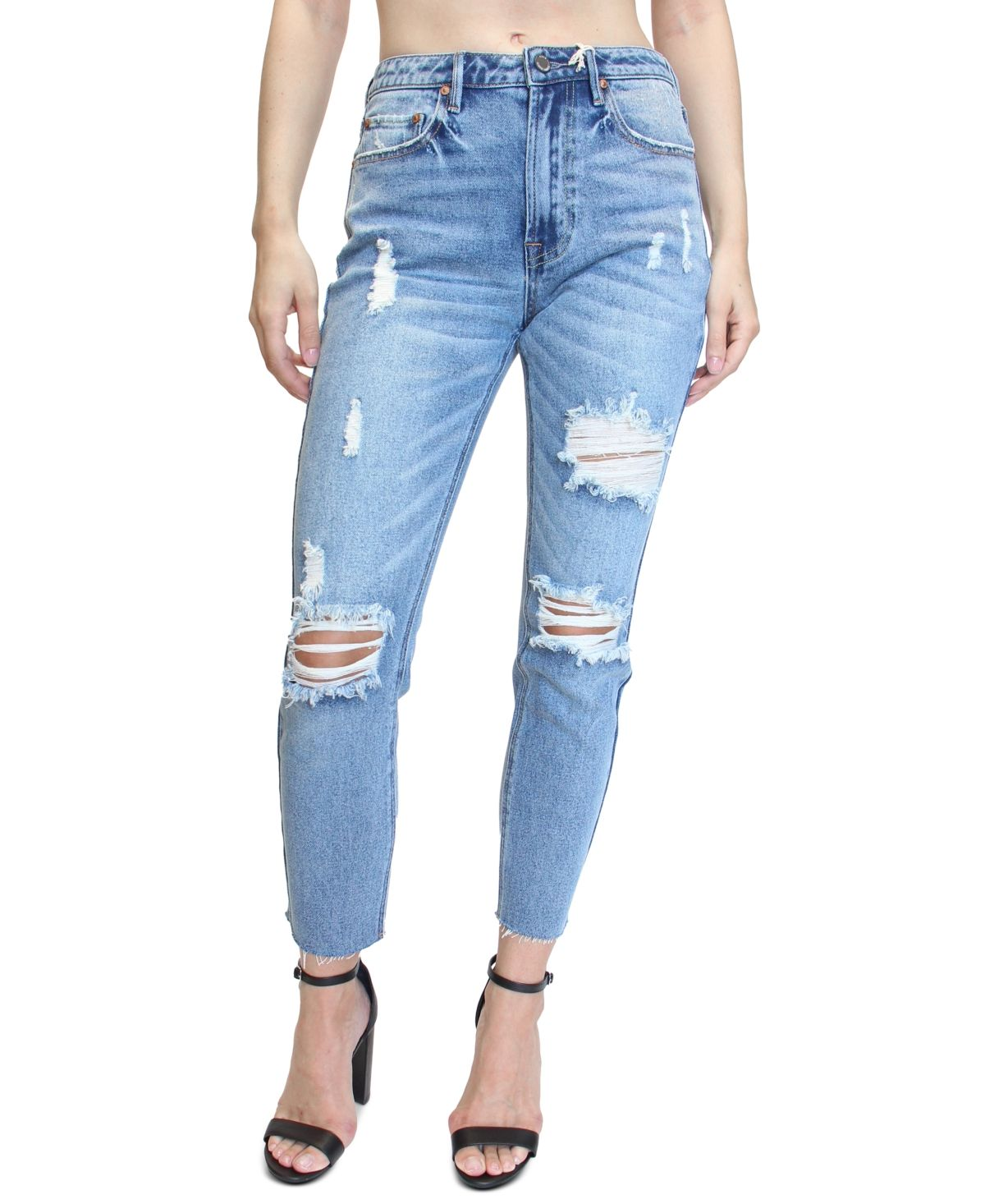 Destructed details put a laid-back spin on a cool, classic silhouette with these high-rise mom jeans from Almost Famous.