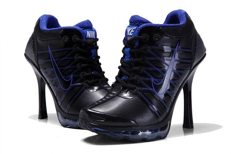design intemporel 32d2c c794f Chaussure Nike avec talon de 6 cm, étonnant | Chaussures ...