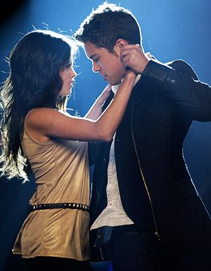 5/10 perfect dancing movie <3  selena is perf in this movie.... Another Cinderella Story it's named :D