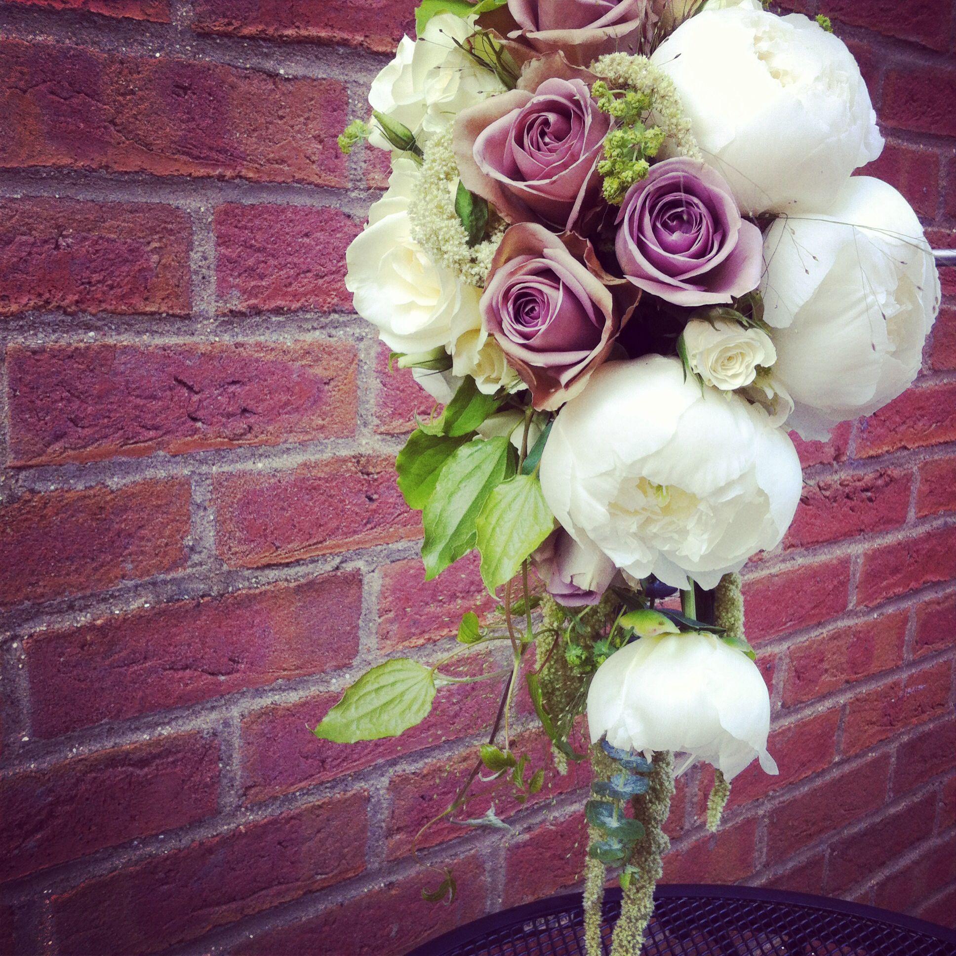 Amnesia rose & peonies bouquet