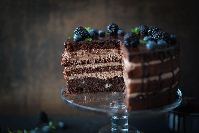 Schokoladentorte Mit Brombeeren Amp Blaubeeren Interspar 3 Schokoladen Torte Schokoladentorte Sallys Rezepte