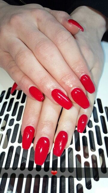 Sealed with a kiss Red gel nails
