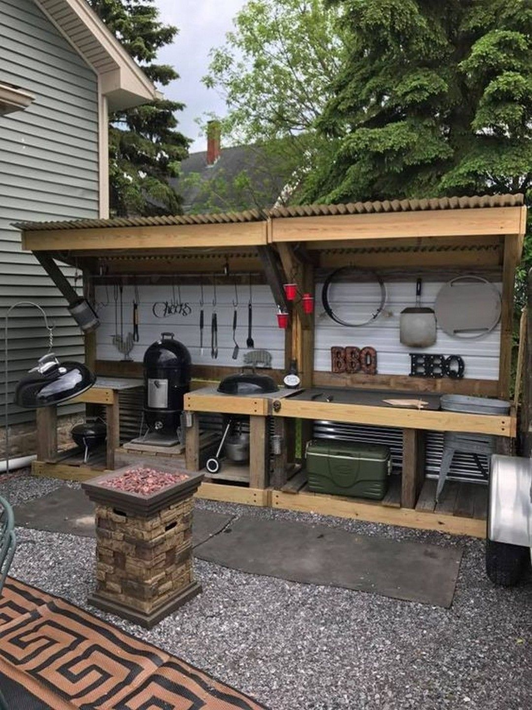 26 DIY Outdoor Grill Stations & Kitchens (With images ... on Diy Bbq Patio id=94796