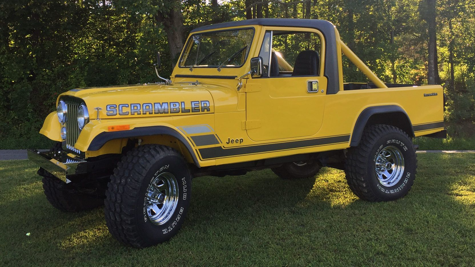Auction Lot F158 Louisville Ky 2017 Yellow With Black Interior 258 Ci 6 Cylinder Engine 4 Speed Manual Transmission 2 Jeep Scrambler Jeep Truck Scrambler
