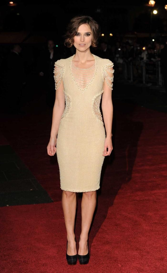 Keira knightley never let me go red carpet in chanel pearl dress