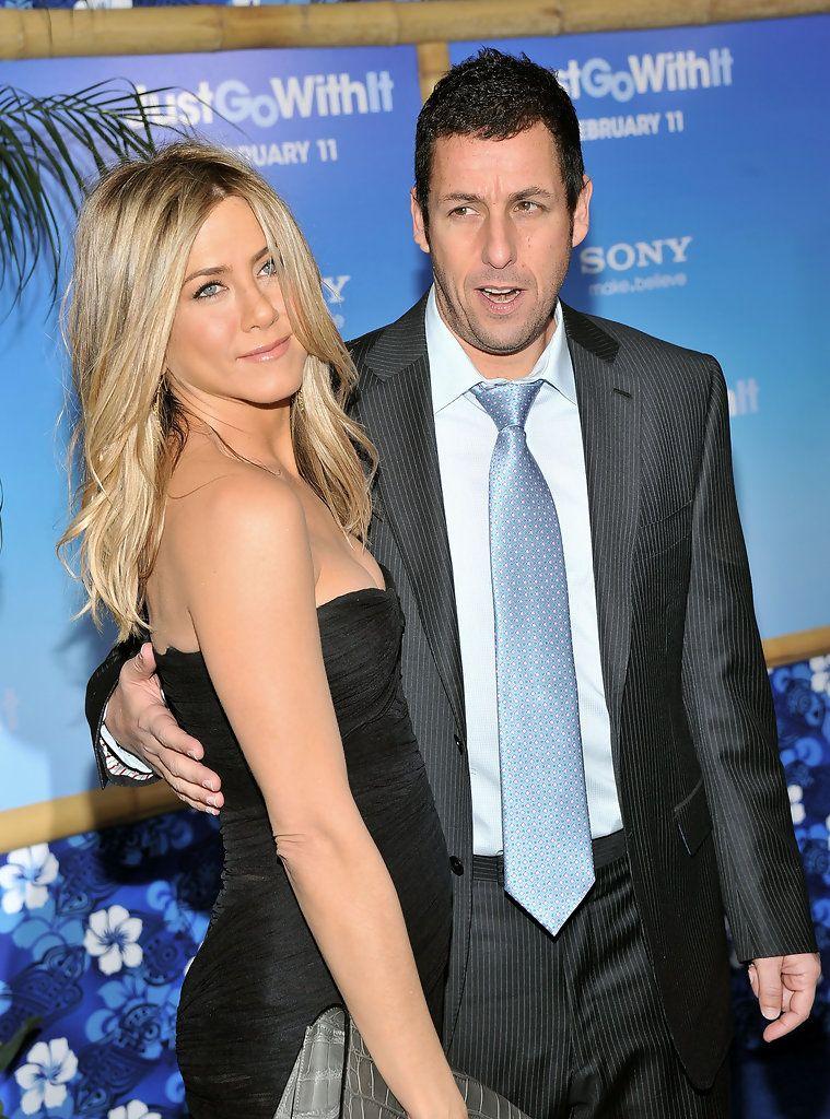 "Jennifer Aniston Photos Photos ""Just Go With It"" New York"