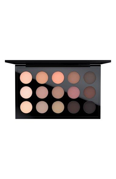 It's the M·A·C eyeshadow palette you've always dreamed of! This palette has an exclusive combination of beloved and new matte shades featuring soft, sheer neutrals mixed with deep, rich browns.