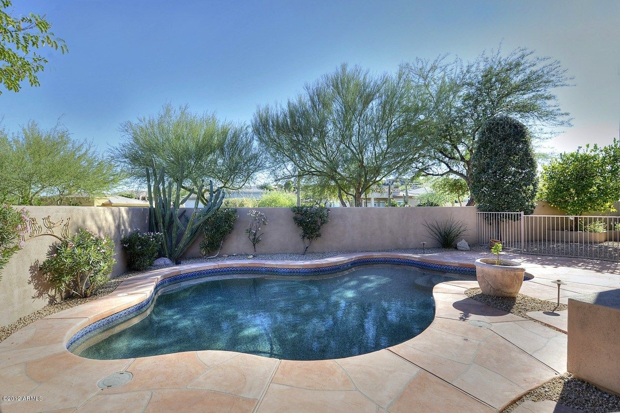 Southwest pool backyard ideas a small yard like this for Pool design help