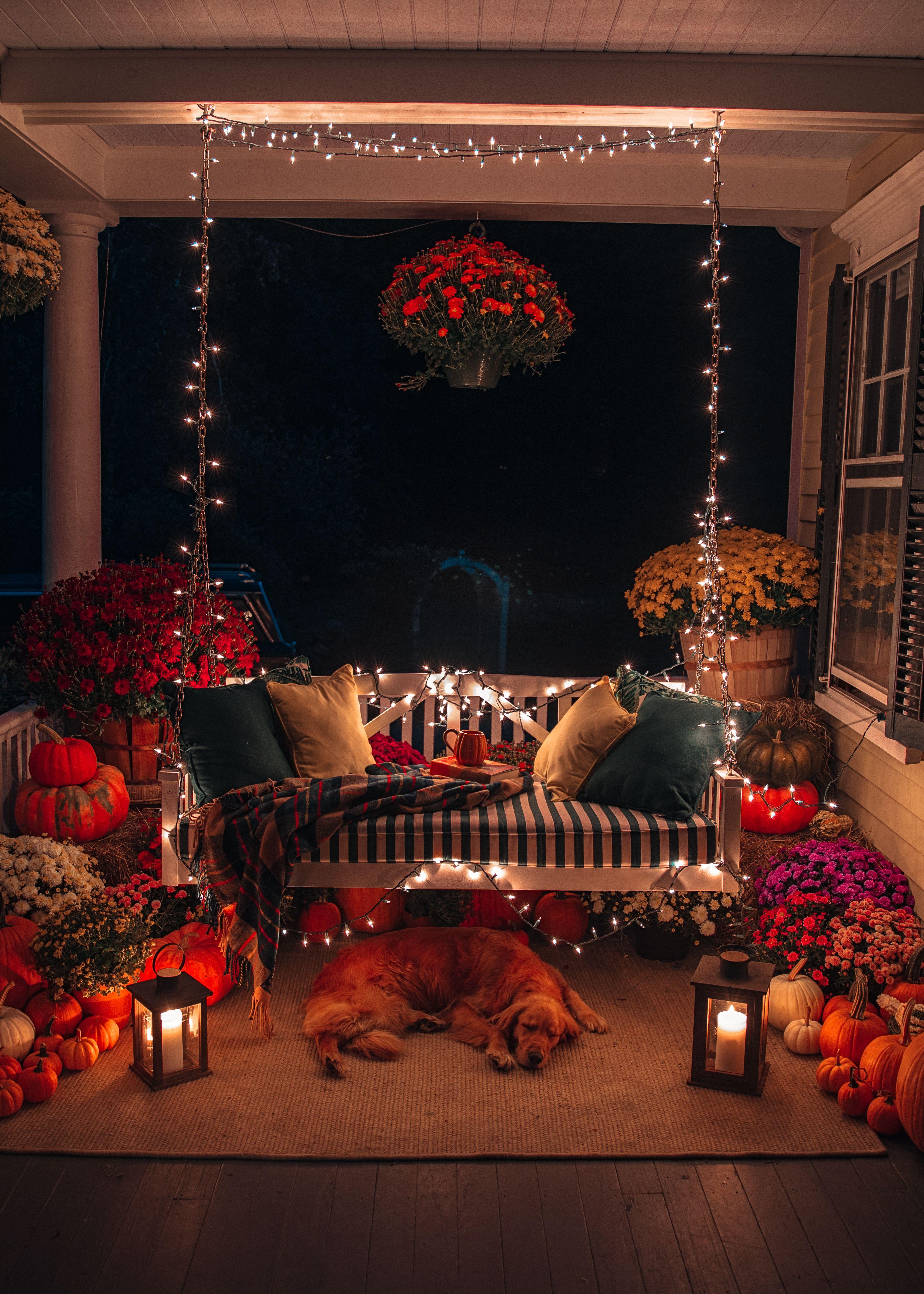 Fall Porch Decorating - Classy Girls Wear Pearls #falldecorideasfortheporch