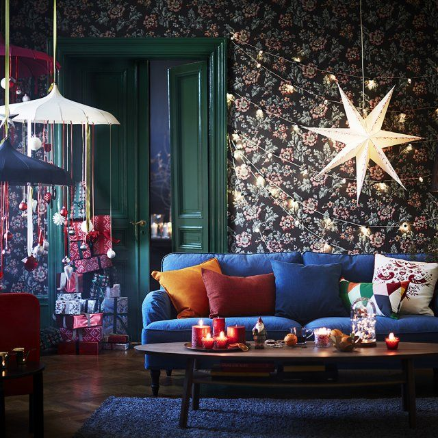 Lesprit De Noël Est Déjà Chez IKEA Étoile En Papier Guirlande - Canapé convertible scandinave pour noël coach deco interieur