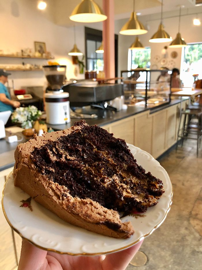 New bakery named Batch House opens Saturday — menu includes dirty Oreo truffles, s'mores brownies and Snickers cheesecake - Charlotte Agenda #snickerscheesecake