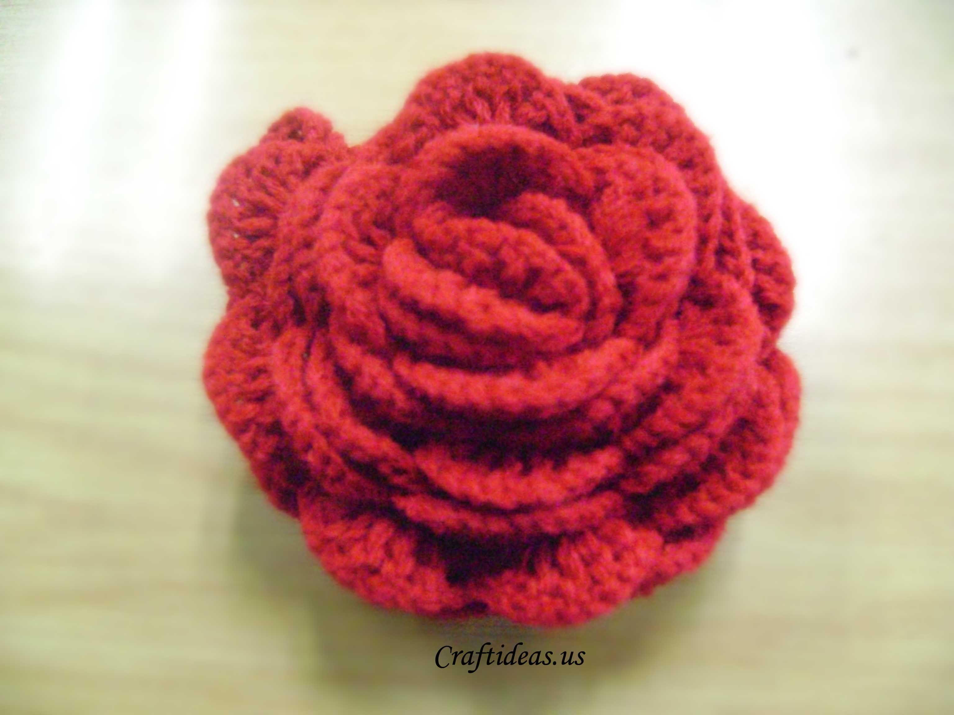 crochet rose ~ free pattern   Crochet Ebelishments   Pinterest ...