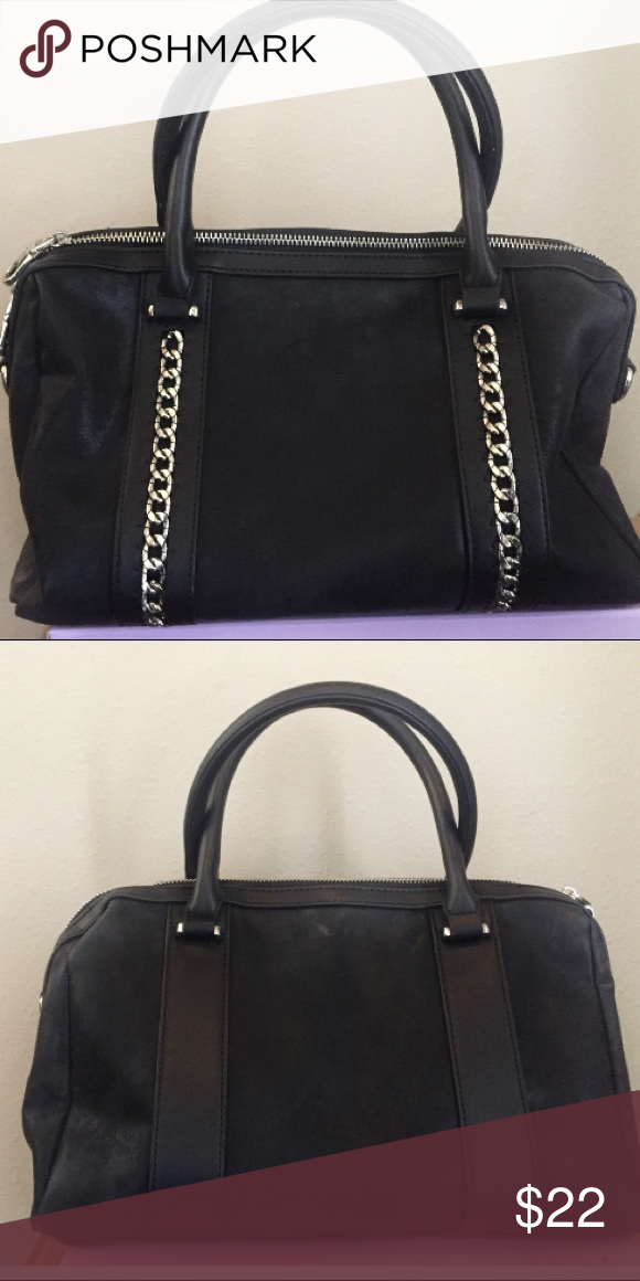 b9f2d8f2dcc8 Chelsea28 Black Handbag Chelsea 28 Black Handbag with metallic chain  detail. Only used on a couple of occasions Chelsea28 Bags Shoulder Bags