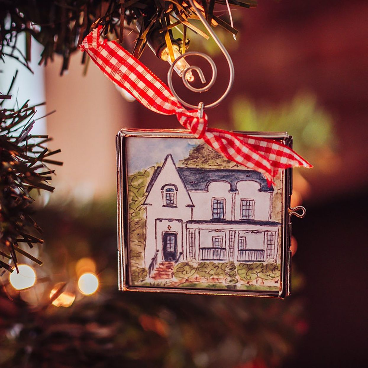 Deck The Halls With These Custom Ornaments That Look Just Like Your House Custom Ornament Housewarming Gift Ideas First Home Realtor Marketing Gifts