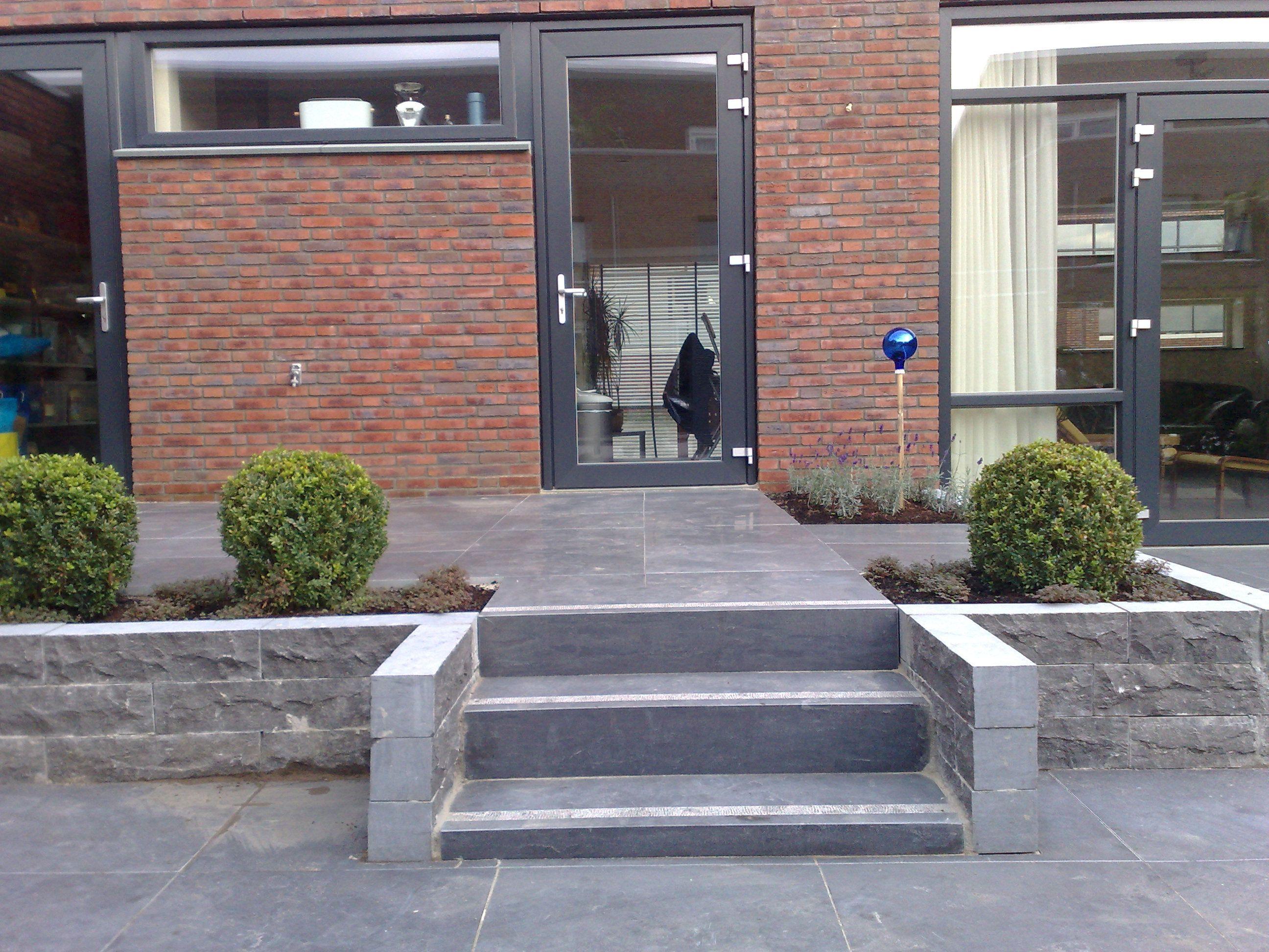Verhoogd terras tegen huis hoe eraan beginnen bouwinfo buiten pinterest terras tuin for Terras modern huis
