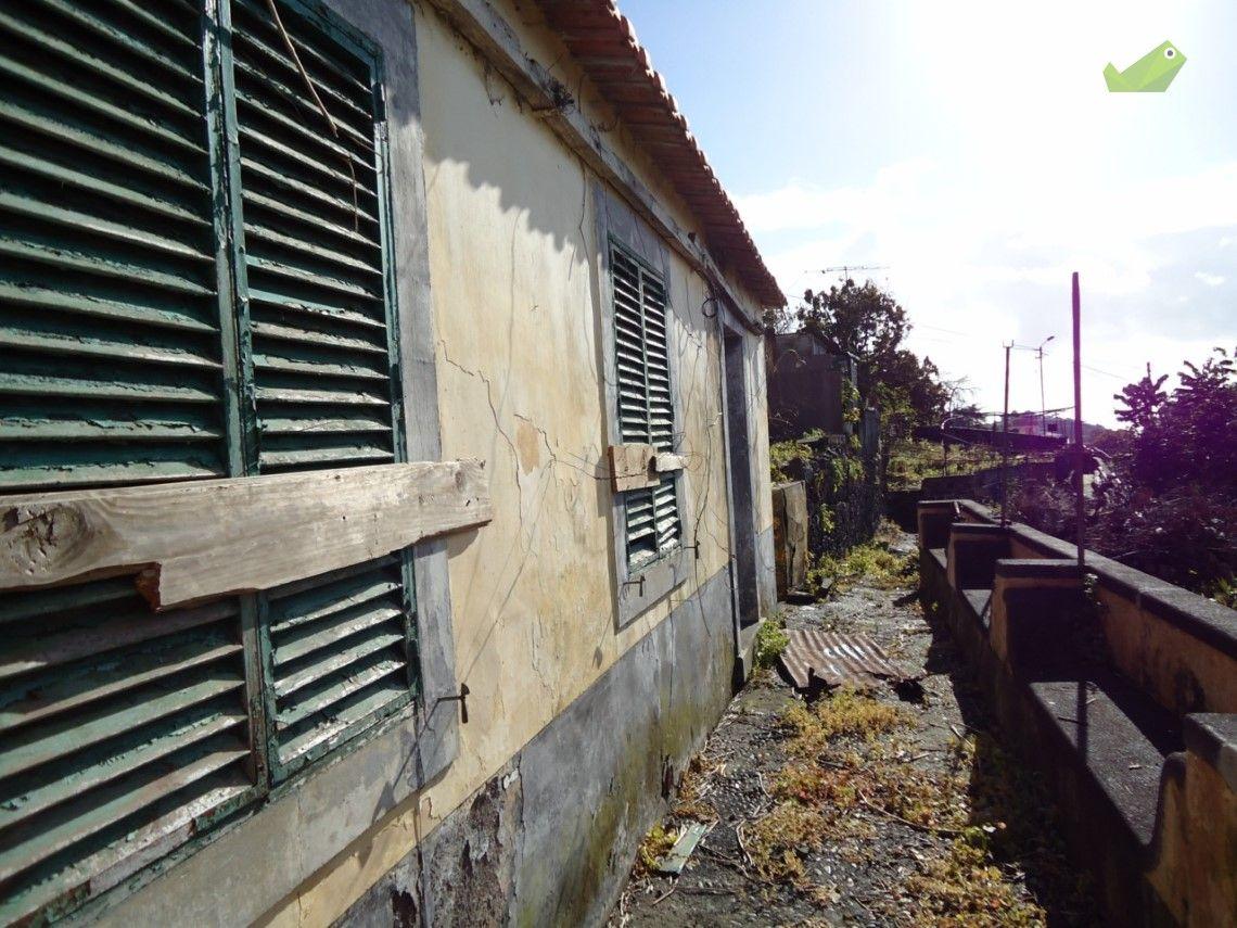 Moradia Venda 110 000€ em Funchal, Funchal (Santa Maria