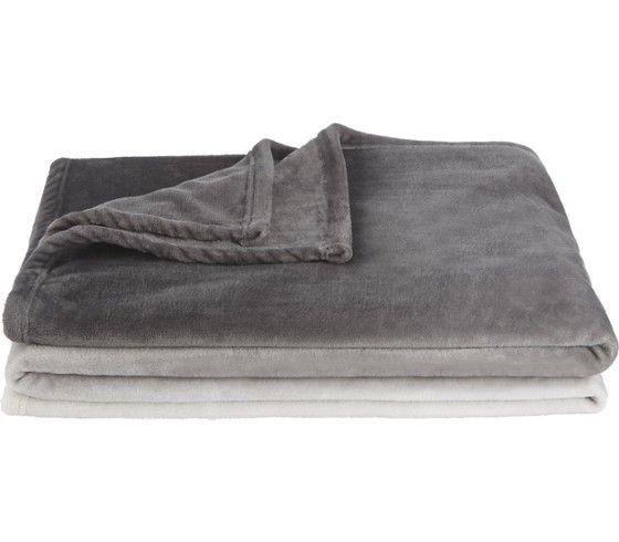 Flauschig weich und gemütlich - elegante Kuscheldecke in Grau