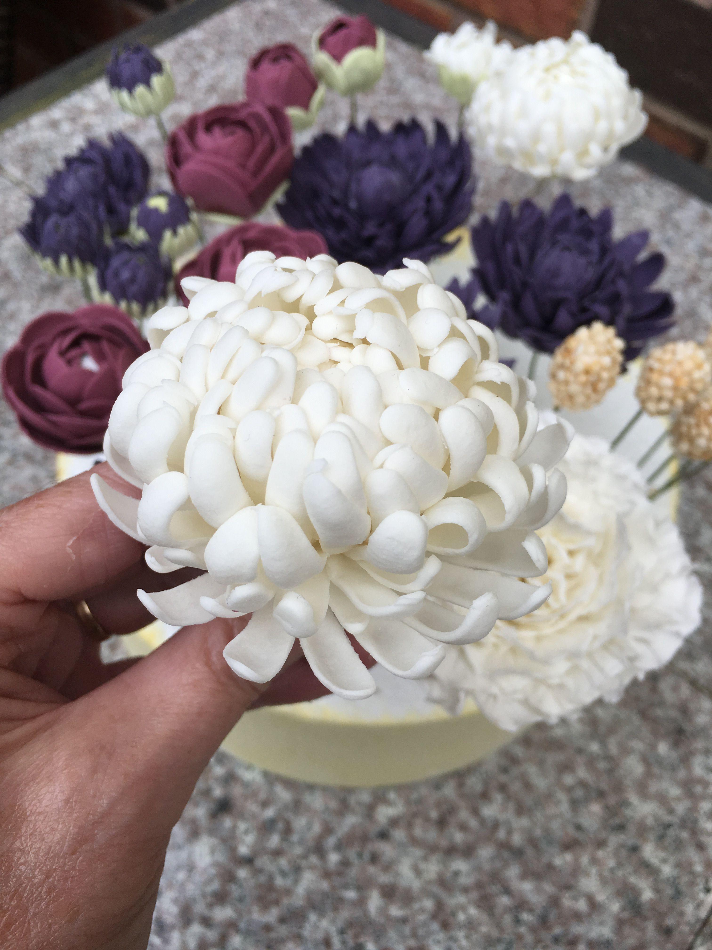 Sugar Flower Chrysanthemum Sugar Flowers Tutorial Cake Decorating Tutorials Sugar Flowers