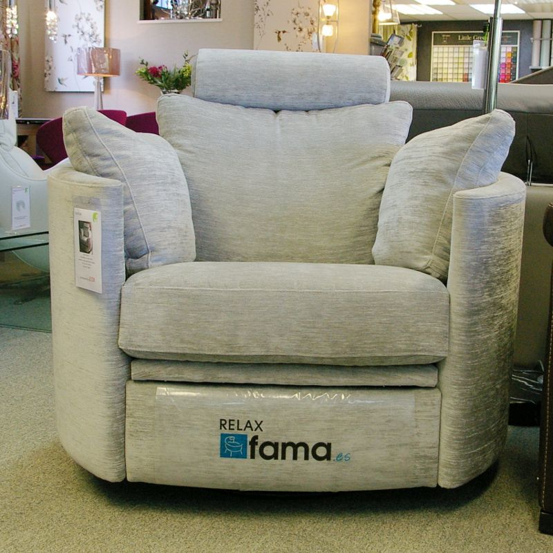 Fama Moon Chair