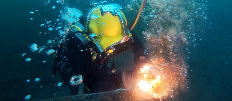 Divesafe International Water Welders Guide To Underwater Welding Salary And Careers Underwater Welding Schools Underwater Welding Salary Underwater Welding