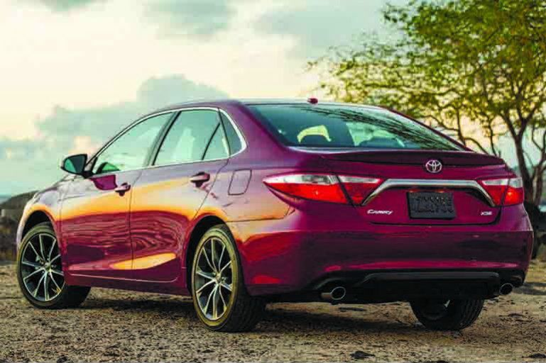 Toyota Camry 2015 vs Honda Accord 2015 photo