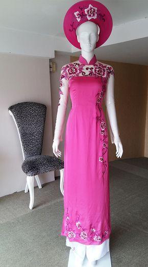 Áo dài màu hồng thêu hoạ tiết xinh xắn | LAHAVA Pin