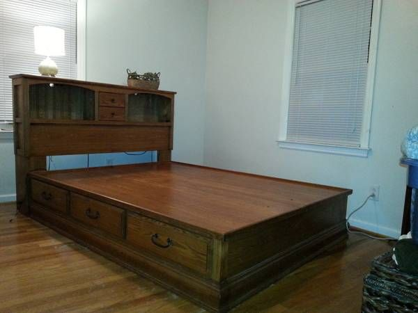 Oak queen size platform bed with builtin bookcase (love