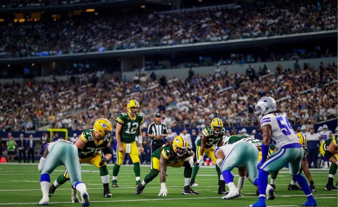 The Green Bay Packers threaten to score against the Dallas