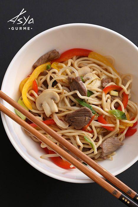 erik soslu dana etli noodle / beef noodle with plum sauce
