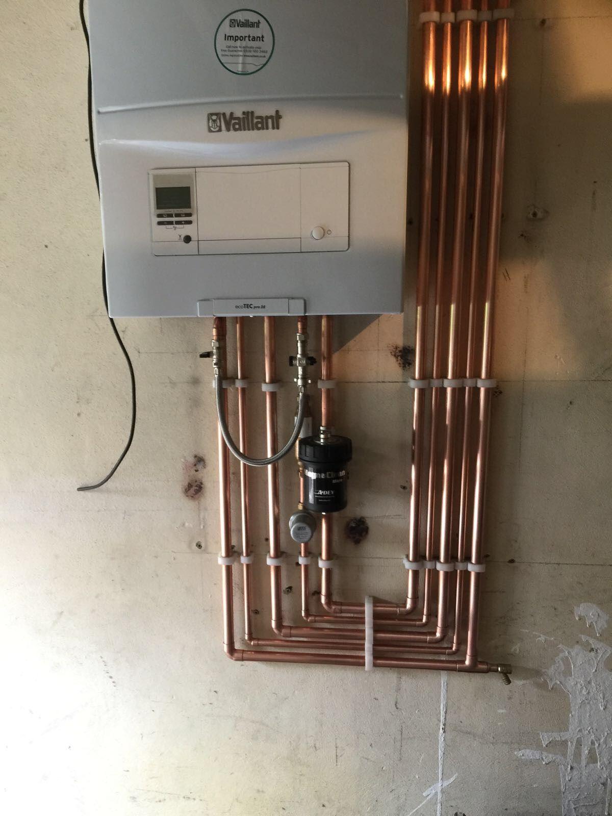 Very tidy installation of the Valiant ecoTEC pro 28. | Heating ...