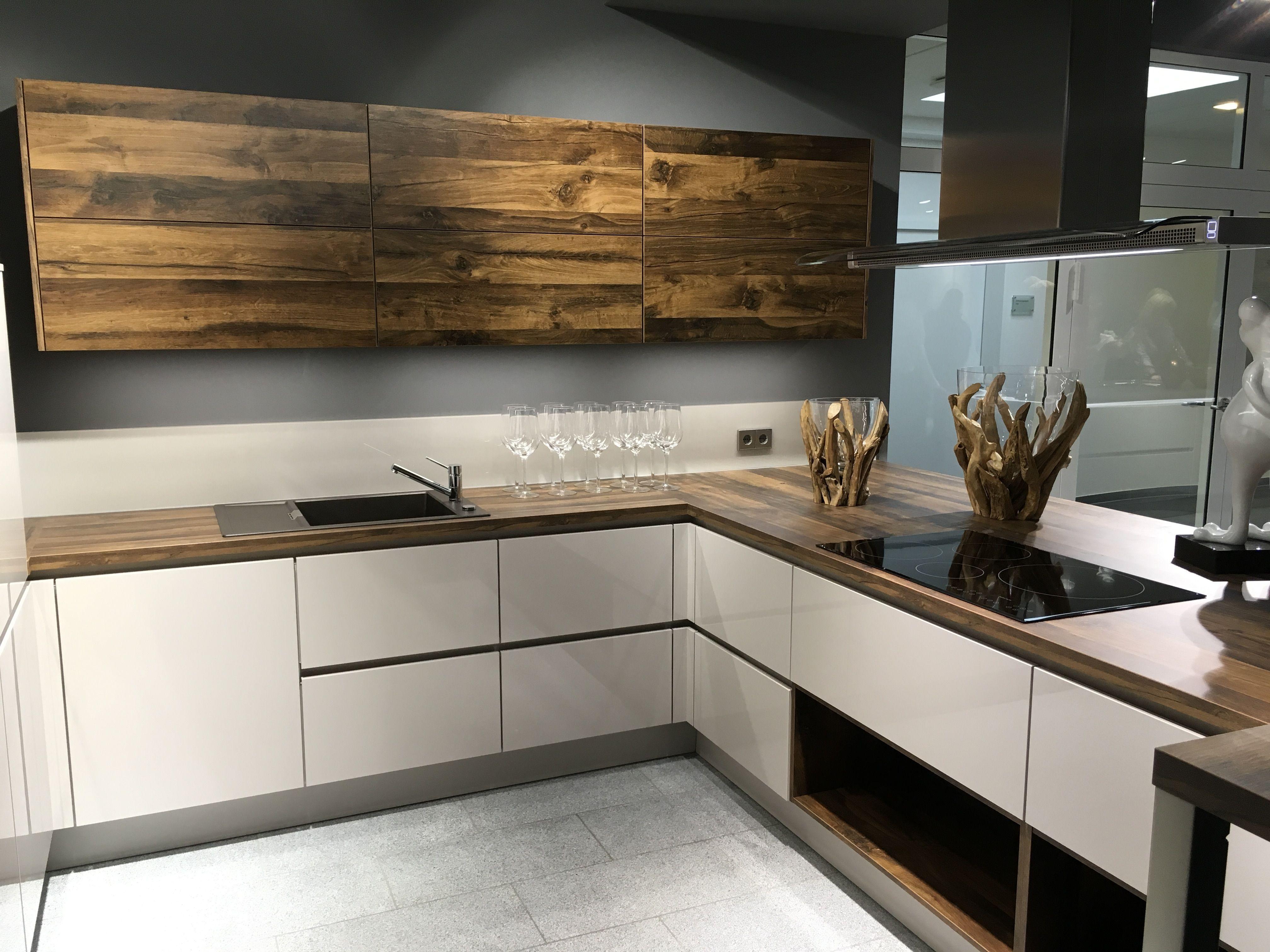 Küchen in Holzoptik sind voll im Trend - und alles andere als ...