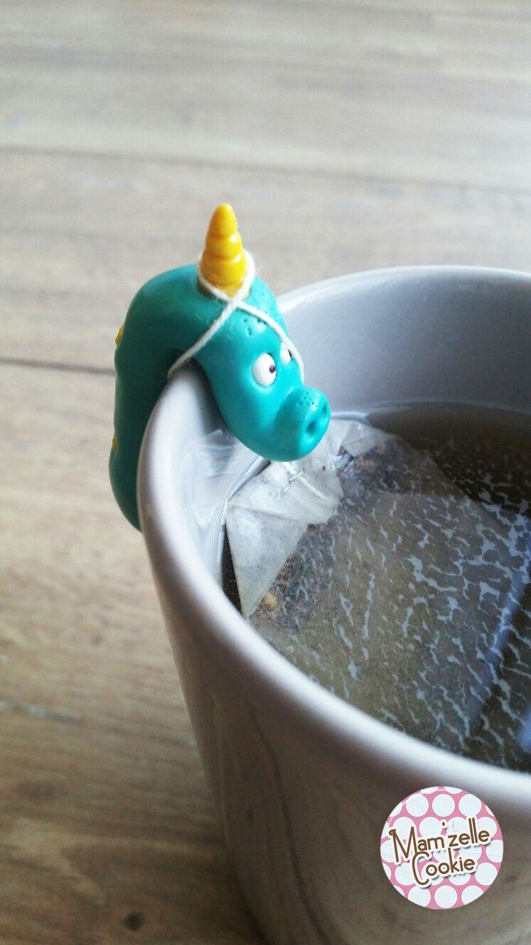 Marcus - Monstre porte sachet de thé modelé à la main, élévé en captivité, en attente d'adoption.