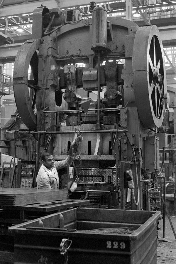 Press Operator At Ford Plant Dagenham