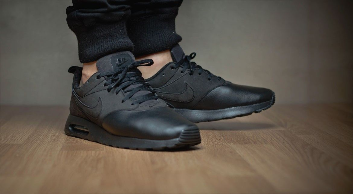nike air max tavas obsidian wolf grey leather booties